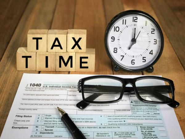 税金のかかる時期や申告時期をチェック