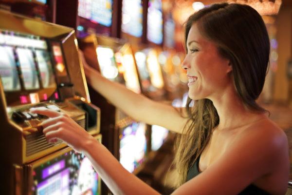 オンラインカジノのスロットの魅力